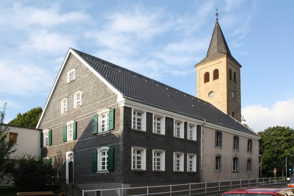 Sanierung Wohn- und Kirchengebäude 0
