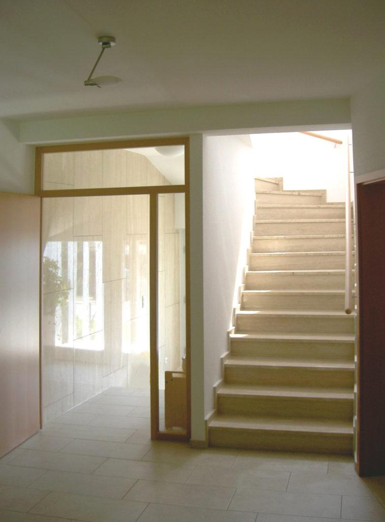 Umbau Einfamilienhaus mit Praxis 3